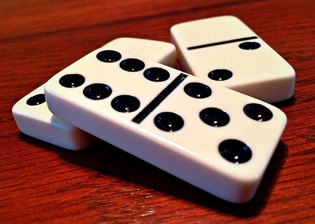 domino tradicional